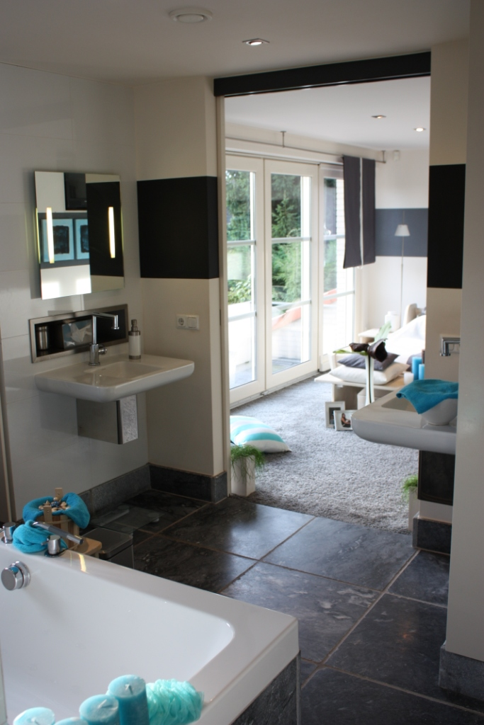 Zeer mooi afgewerkte villa met kantoor aan huis villa vendre - Slaapkamer met open badkamer ...