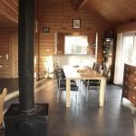 Eetkamer, kachel en keuken