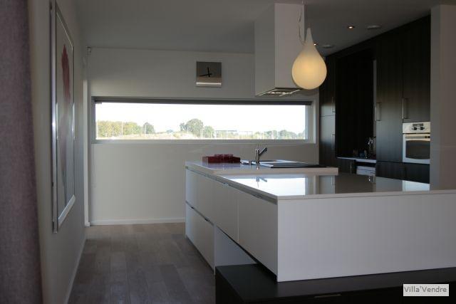Keuken 2de kleine foto villa vendre - Kleine aangepaste keuken ...