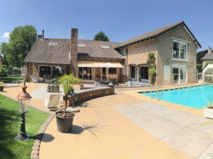 Villa met allure, zwembad en extra woonunit op top locatie (villawijk de Kollenberg)